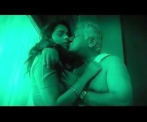 Hot indian babe seduces..