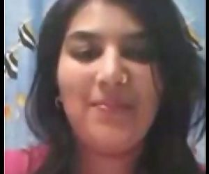 Desi Beauty Selfie:..