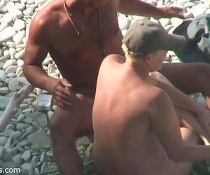 Beach Hunter 22