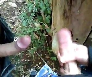 2 Friends Jerk and Play