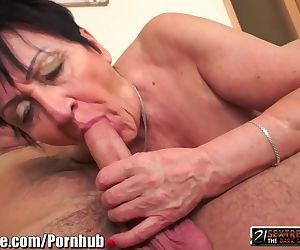 21Sextreme Shaved GILF..