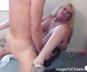Hot Granny cougar in..