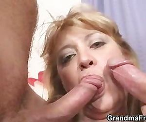 Two dudes bang slutty mom