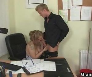 Office lady gives head..