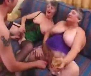 English Granny Swinger..
