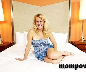 Horny milf performs in..