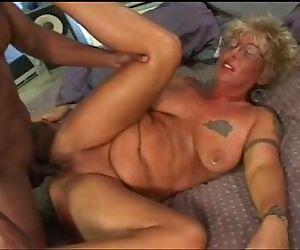 White granny loves to..