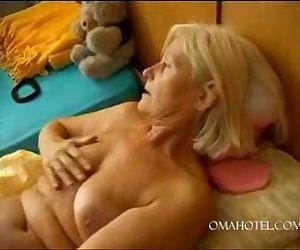 granny dildo - 2 min