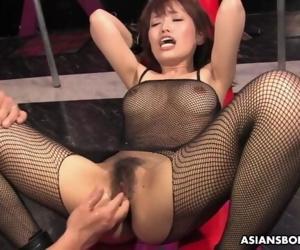 Yui Shimizu is moaning..
