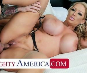Naughty America - Alura..
