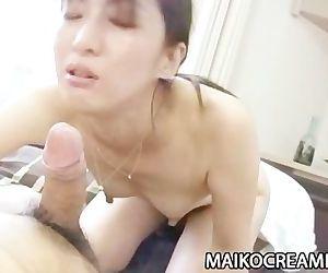 Japanese MILF Miki..