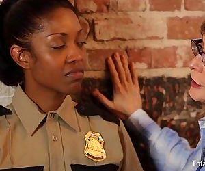Ebony Lesbian Gets DPdHD