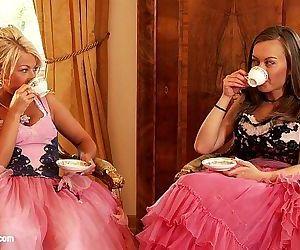 Beautiful lesbians..