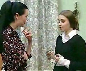 A Lesbian Dream - 9 min