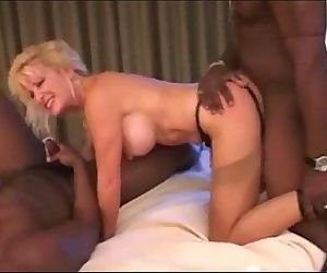 dirty blonde milfs for..