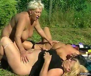 Granny Lesbians - 6 min