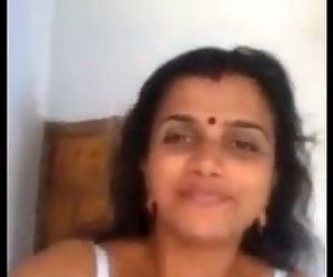 Indian Hot Mallu Aunty..