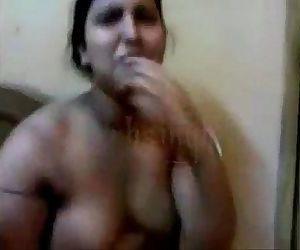desi aunty fucking with..