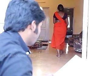 tamil aunty romance..