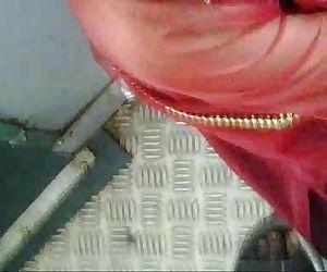 Desi Train Clevage.3GP..