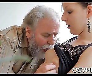 Juvenile hottie licked..