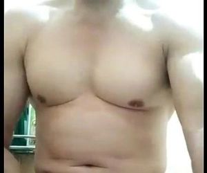 vietnamese muscle daddy..