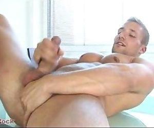 Danys Hock solo