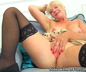 UK milf Sapphire Louise..