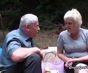 Mature slut piss and..