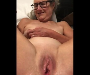 Dildo Play Legs Pussy..