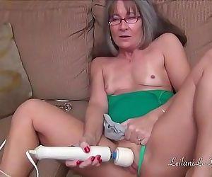 Leilani Lei Masturbates..