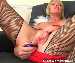 British milf Amy gets..