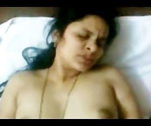 Hot INDIAN TELUGU Aunty..