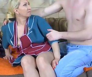 FUCKING RUSSIAN MOM