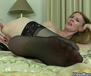 American milfs Lacy and..