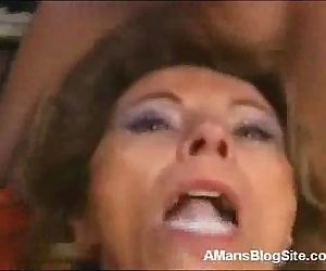 Cum Hungry Mom - 3 min