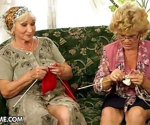 Лесби бабуля