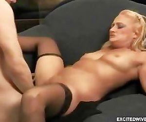 Escort me a young cock!