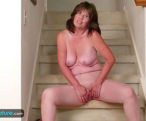 Horny Mature Jade in..