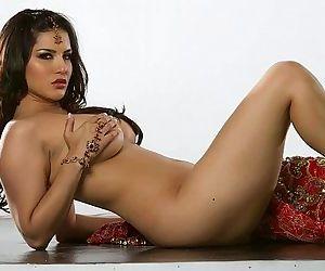 Sunny Leone 4 Full..