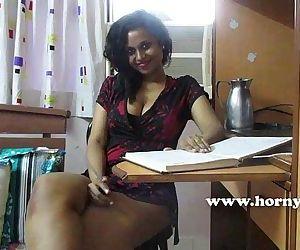 HornyLily sexy tutorHD