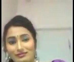 Desi Housewife showing..