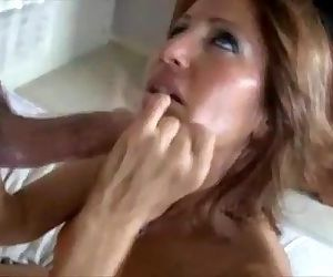 Horny MILF cant resist..