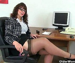 UK milf Red will assist..